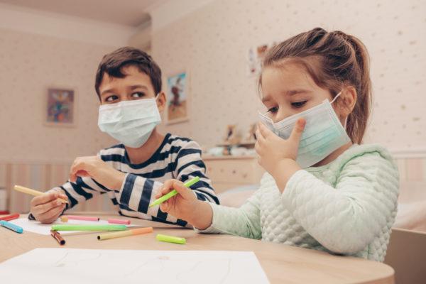 امکان ناقل بودن کودکان بدون داشتن علائم کرونا/مدیران مدارس بر تهویه کلاسها نظارت کنند