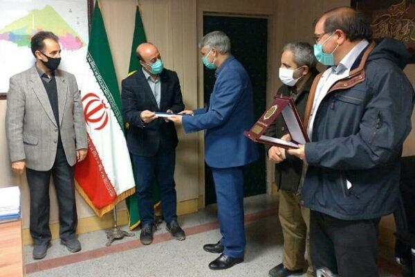 تجلیل از رئیس سازمان جهاد کشاورزی استان اردبیل به عنوان مدیر نمونه ملی یاور تحقیقات